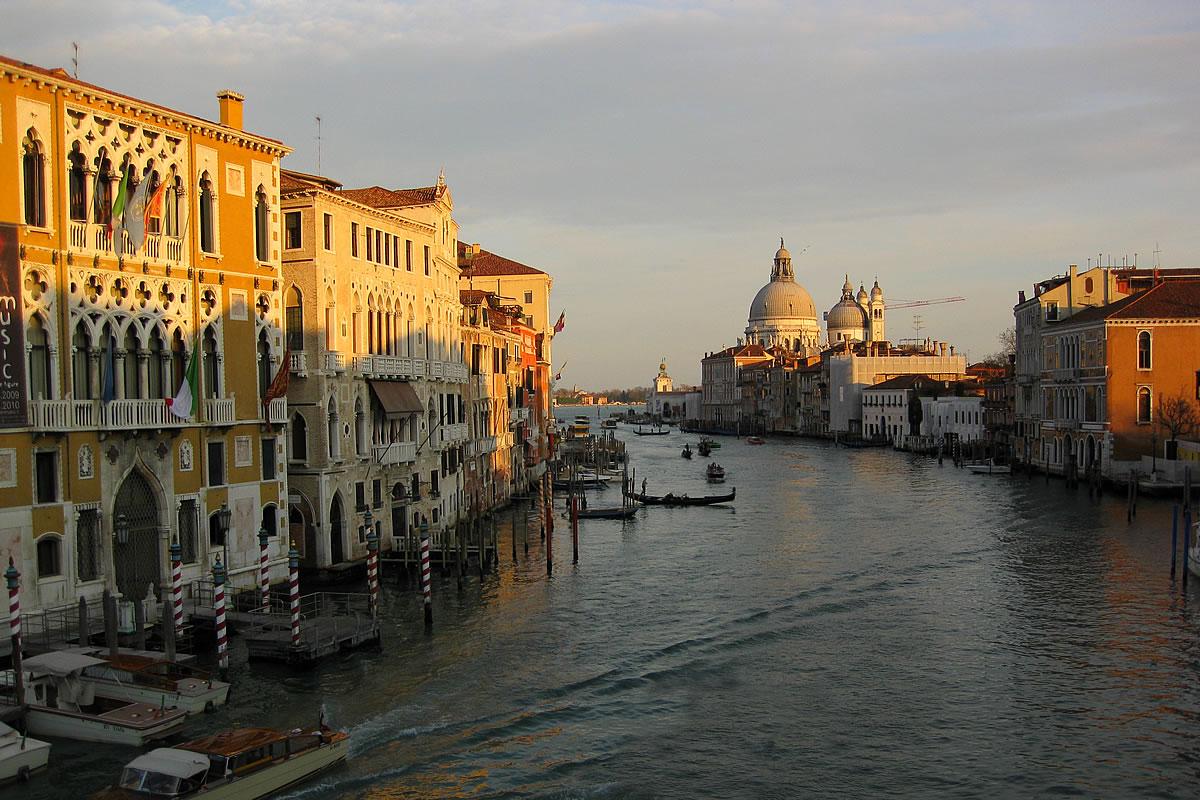 Venedig - Canal Grande mit Blick auf die Basilika von San Marco