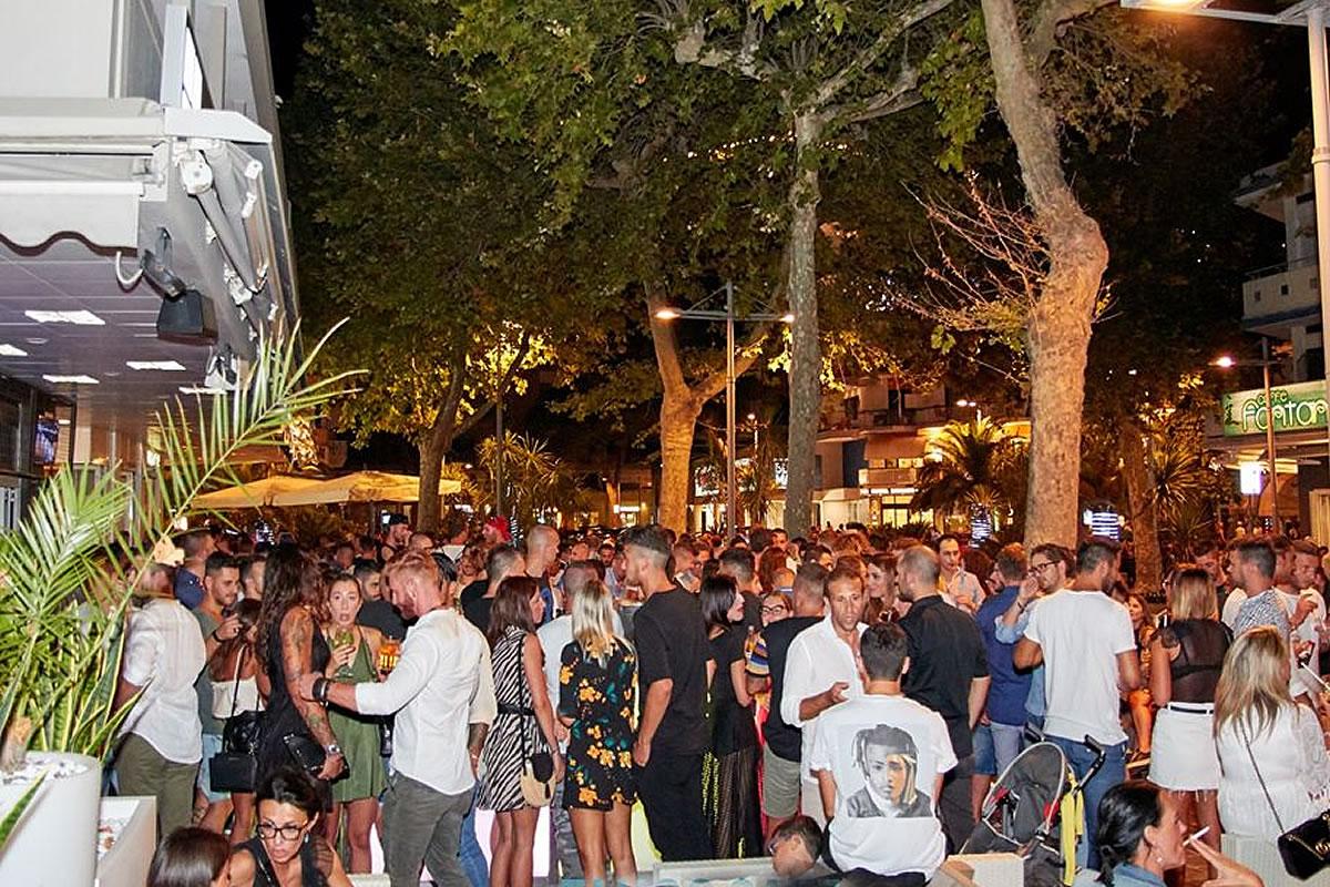 Tango cafè locale notturno a Lignano Sabbiadoro