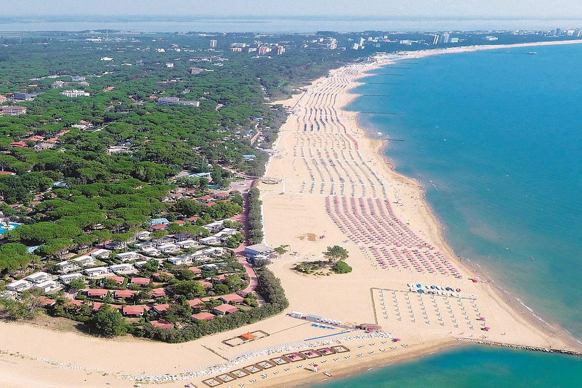 Lignano Strand Entdecken Sie Sonnenschirme Pavillons Badezonen